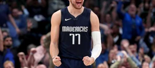 Doncic se ha convertido en el ídolo de los fans de Dallas Mavericks desde su llegada.