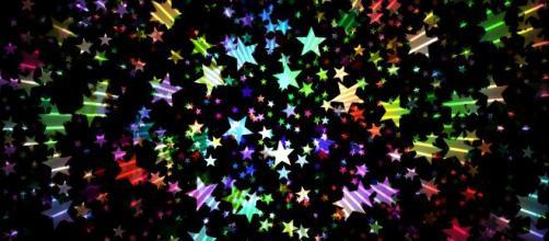 L'oroscopo del 16 febbraio: domenica brillante per il Capricorno e lo Scorpione.