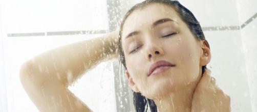 Los baños regulares contribuyen a evitar la acumulación de gérmenes.