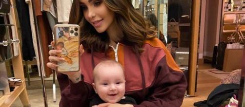 """Nabilla, l'appétit de Milann l'inquiète. Elle """"harcèle"""" son pédiatre ...- Blasting News.com"""
