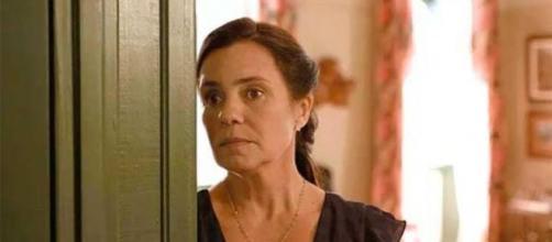 Thelma fica nas mãos de Durval em 'Amor de Mãe'. (Reprodução/TV Globo)