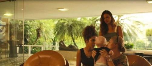 Verena recebe Nicete e Betina, em 'Amor de Mãe'. (Reprodução/TV Globo)