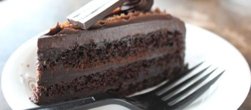 Chocolate cake rich [Source: narmathakish - Pixabay]