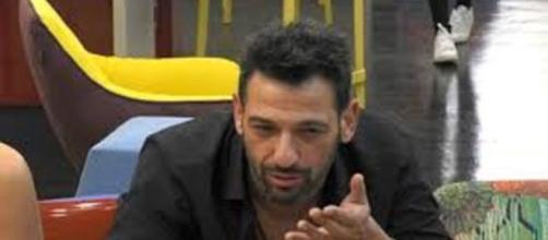 Gf Vip, Pago senza freni inveisce contro Fernanda: 'La voglio eliminare dalla mia vita'.