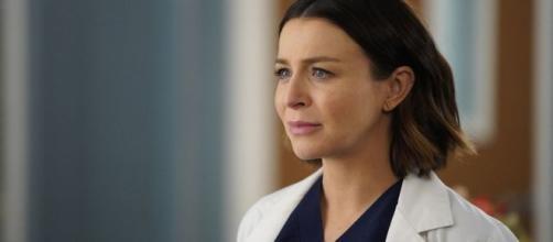 Krista Vernoff ha spiegato che la verità sulla gravidanza di Amelia Shepherd verrà mostrata nei prossimi episodi di Grey's Anatomy.