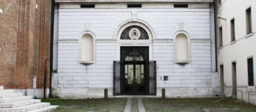 Treviso, docente universitario denuncia gli abusi subiti in seminario.