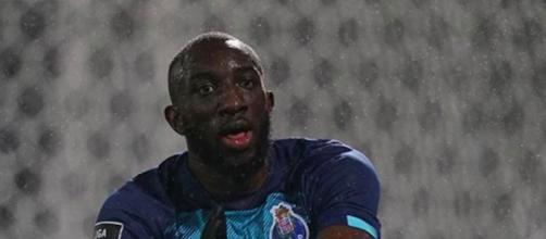 L'attaquant du FC Porto, franco-malien, Moussa Marega quitte le stade pour racisme. Credit: Instagram/fcporto