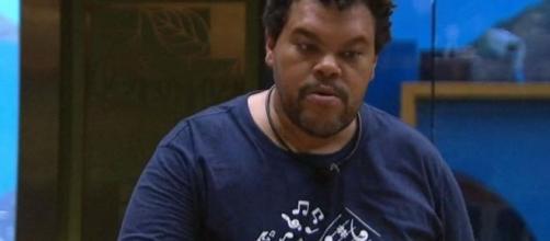 No 'BBB20', Babu volta a discutir sobre a divisão da comida. (Reprodução/TV Globo)