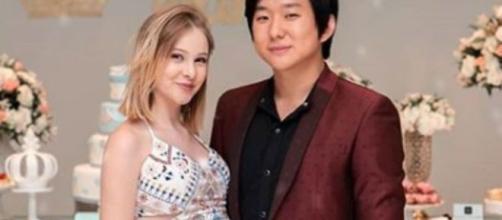 O filho de Pyong Lee nasceu para a felicidade do casal. (Reprodução/Instagram)