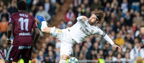 Polémica en el Real Madrid-Celta por un penalti a Sergio Ramos al ... - larazon.es