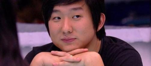 Pyong Lee é atacado na web após notícia de ter virado pai. Créditos: diariodocentrodomundo.com.br