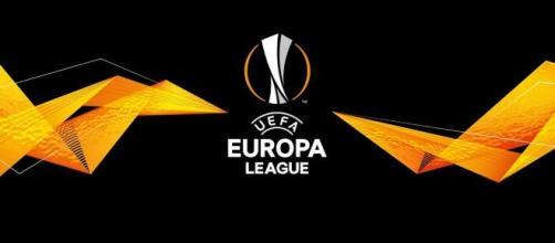 El fútbol no se acaba con la Champions. La Europa League continúa completando rondas.