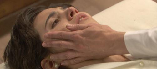 Il Segreto, spoiler al 28 febbraio: Dori tenta di uccidere Maria, Esther ritrova la madre.