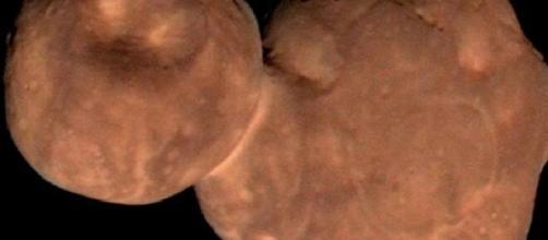 Imagen del asteroide llamado Arrokoth.