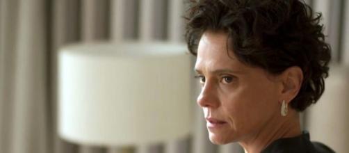 Lídia ouvirá poucas e boas da ex-empregada em 'Amor de Mãe'. (Reprodução/TV Globo)