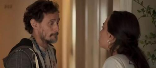 Natália larga Durval e manda Thelma ficar com ele. (Reprodução/TV Globo)