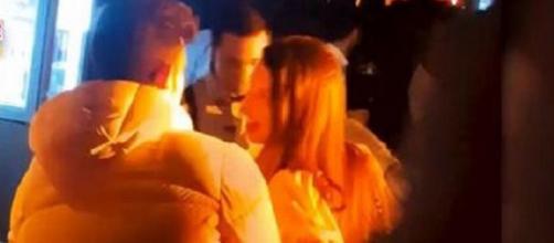 """Pillan a Andrea (""""La isla de las tentaciones"""") en actitud cariñosa con alguien que no es Óscar en una discoteca"""