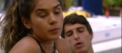 Após a saída de Lucas, o BBB disparou comentários sobre diversos participantes, dizendo que Marcela não merecia seu respeito. (Reprodução Globo).