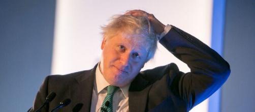 El Reino Unido exigirá a los inmigrantes una oferta de empleo y hablar inglés