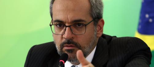 Ministro da Educação, Abraham Weintraub, será chamado pelo Congresso para dar explicações no Enem e no Sisu. (Arquivo Blasting News)