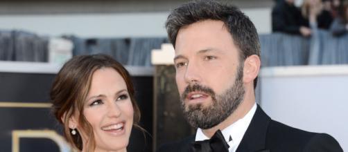"""Ben Affleck describió su divorcio de Jennifer Garner como lo más """"difícil"""". - yahoo.com"""
