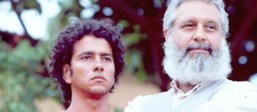 """João Pedro (Marcos Palmeira) e o """"painho"""" José Inocêncio (Antonio Fagundes) em 'Renascer' (Arquivo Blasting News)"""