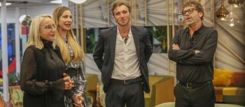 GF Vip, Clizia Incorvaia dubbiosa sulla storia con Paolo: 'Questa situazione non è facile'.