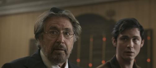 Al Pacino e Logan Lerman em cena de 'Hunters' da Amazon. (Reprodução/Amazon)