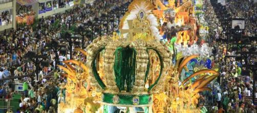 Carnaval 2020: foliões animados apesar da chuva. (Arquivo Blasting News)