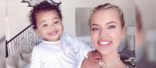 Khloé Kardashian y su hija True Thompson. - telemundo.com