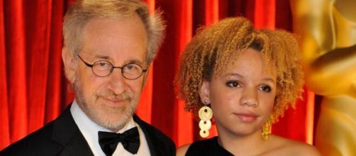 Steven Spielberg y su hija Mikaela.