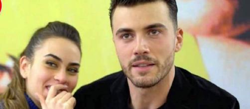 Alessandro Zarino, ex UeD, conferma la crisi con Veronica: 'La lontananza non aiuta'.