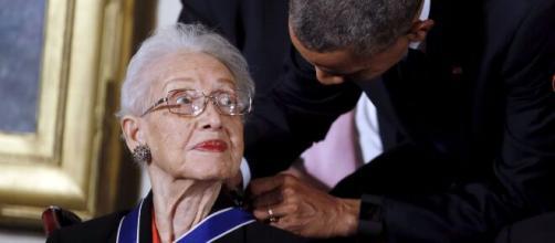 Katherine Johnson, la emblemática matématica de la NASA fue condecorada por Obama.