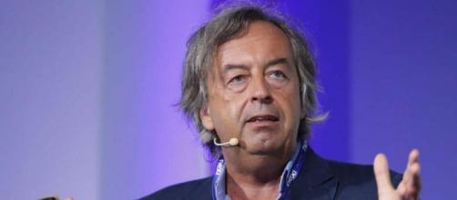 Roberto Burioni accusato di maschilismo da Tiziana Ferrario