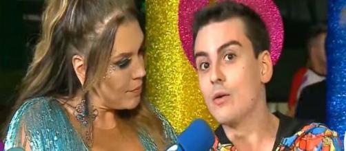 Simony é supostamente assediada por Dudu Camargo no Carnaval da Rede TV e desabafa. (Reprodução/Rede TV)