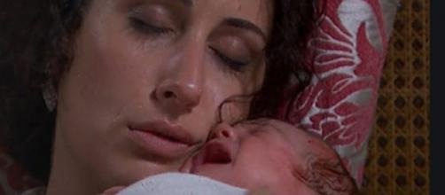 Una Vita, spoiler spagnoli: il figlio di Lolita e Antonito si ammala.