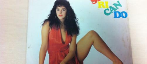 'Sassaricando', primeira capa de disco de Cláudia Raia. (Arquivo Blasting News)