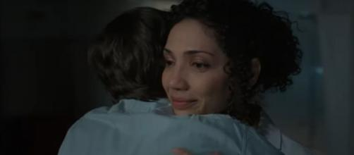 Shaun and Carly share a comforting hug on 'The Good Doctor' and Shaun does as Carly asks. [Image source:ABC-YouTube]