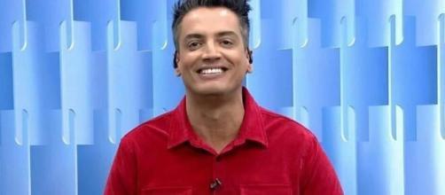Leo Dias fica constrangido com revelação íntima de youtuber. (Arquivo Blasting News)