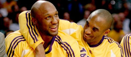 Los grandes jugadores de baloncesto, Lamar Odom y Kobe Bryant. - usmagazine.com
