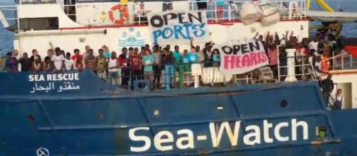Sea Watch verso Messina, Musumeci: 'Quarantena a bordo'