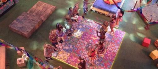 Brothers curtem Festa da Líder Rafa no 'BBB20'. (Reprodução/TV Globo)