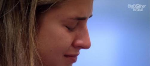 Gabi chora novamente por conta de DR no 'BBB20'. (Reprodução/TV Globo)