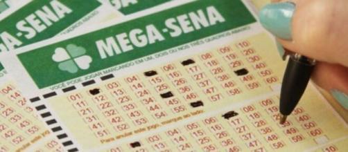 Mega-Sena pode pagar até R$ 200 milhões nesta quinta-feira. (Arquivo Blasting News)