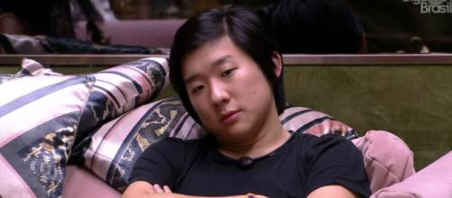 Pyong reclama de Gizelly no 'BBB20'. (Reprodução/TV Globo)