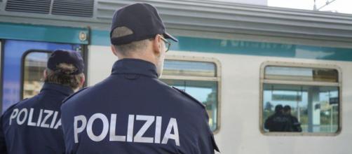 Bimbo abbandonato a Roma, arrestata donna su un treno a Bologna | ilcaffe.tv