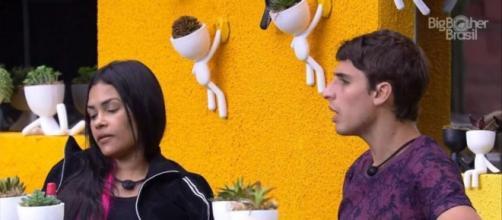 Brothers conversam sobre prova do Líder. (Reprodução/TV Globo)