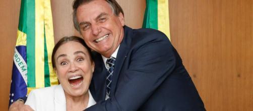 Regina Duarte e o presidente Jair Bolsonaro agora estabeleceram um 'casamento'. (Arquivo Blasting News)
