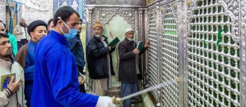Coronavirus, Iran sale il bilancio dei contagiati e delle vittime. Morto un deputato