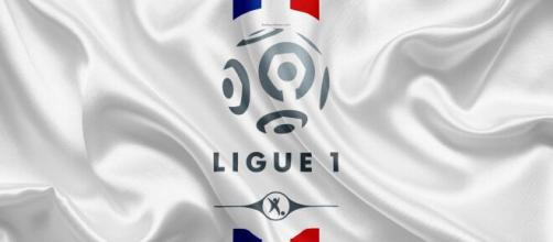 Download wallpapers France Ligue 1, logo, emblem, 4k, French flag ... - besthqwallpapers.com